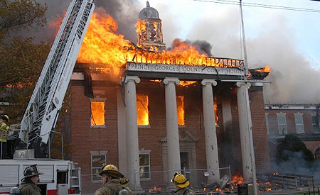 Truck 5 Responds to Courthouse Fire